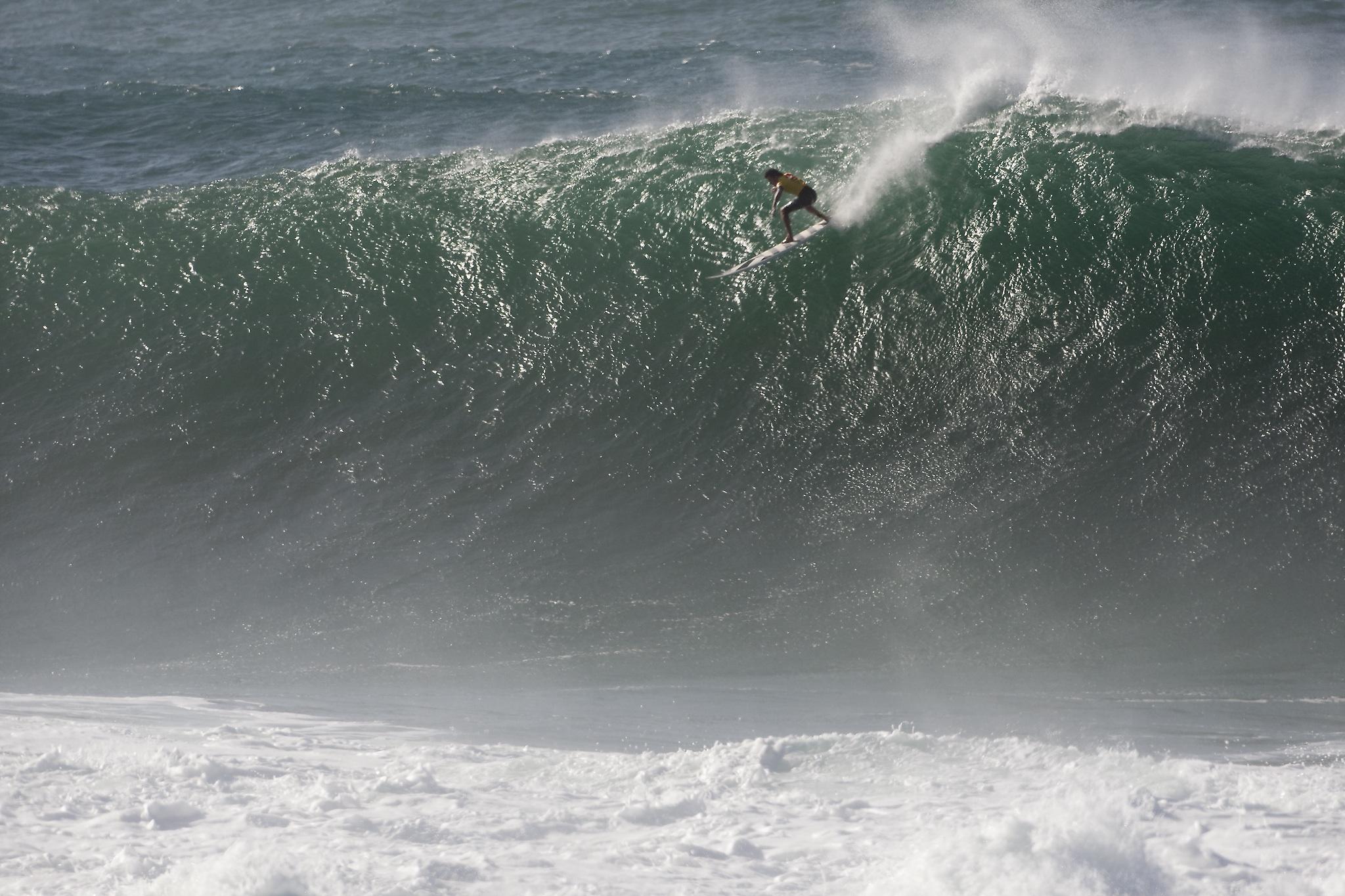 Surfing Rad Dudes